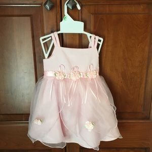 YOUNGLAND Dresses - Beautiful 18 mo Baby/Toddler Dress & Diaper Cover